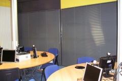 Installation des rideaux de la salle